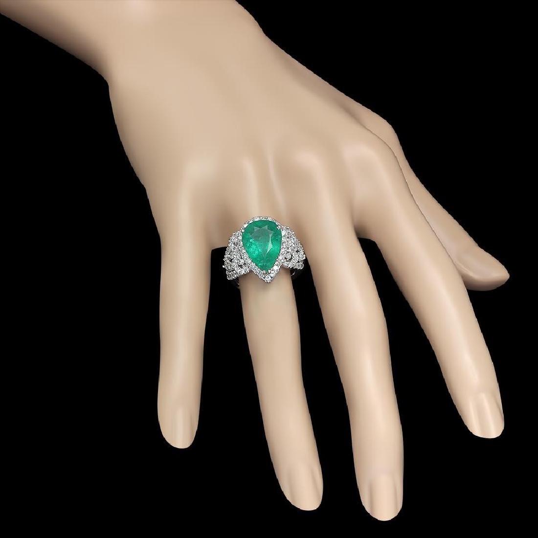 14K Gold 4.55 Emerald 1.20 Diamond Ring - 3
