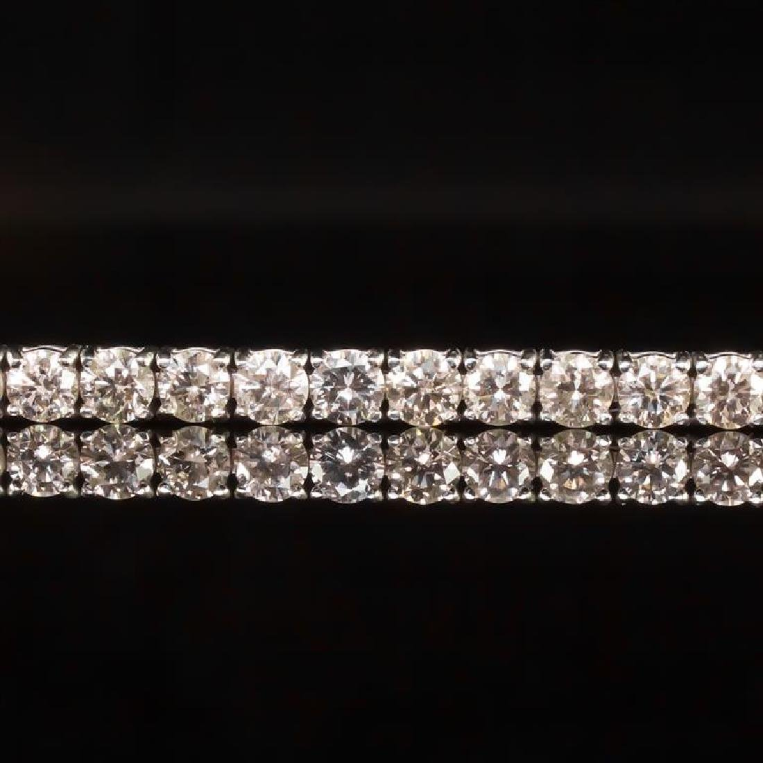 18K Gold 9.02ct Diamond Bracelet - 2