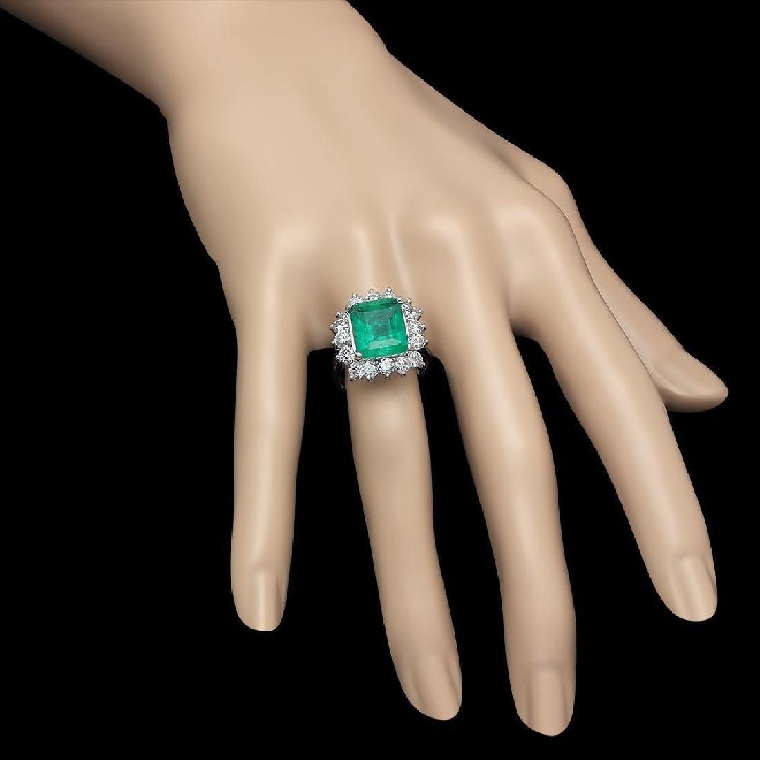 18K Gold 4.18 Emerald 2.00 Diamond Ring - 3