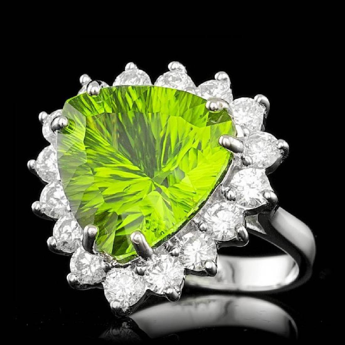 14k White Gold 9.50ct Peridot 1.80ct Diamond Ring - 2