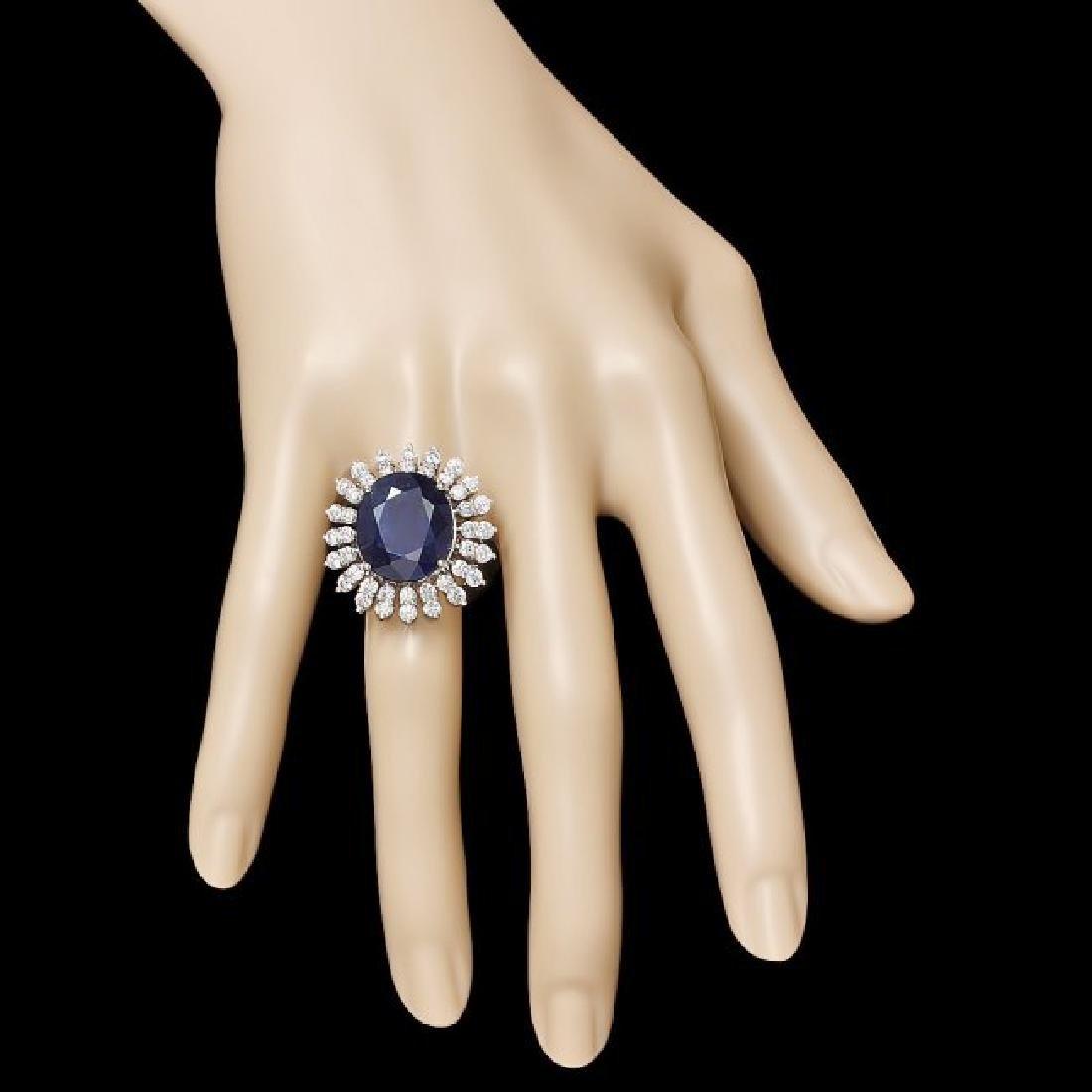 14k Gold 15.00ct Sapphire 2.45ct Diamond Ring - 3