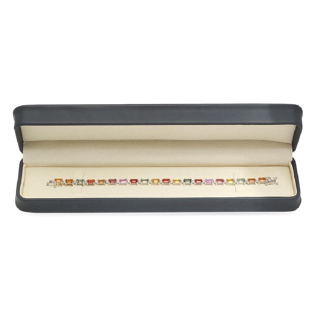 18K Gold 14.30ct Fancy Color Sapphire .9ct Diamond - 3