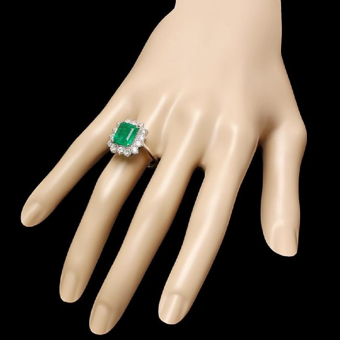 18k White Gold 4.00ct Emerald 1.30ct Diamond Ring - 3