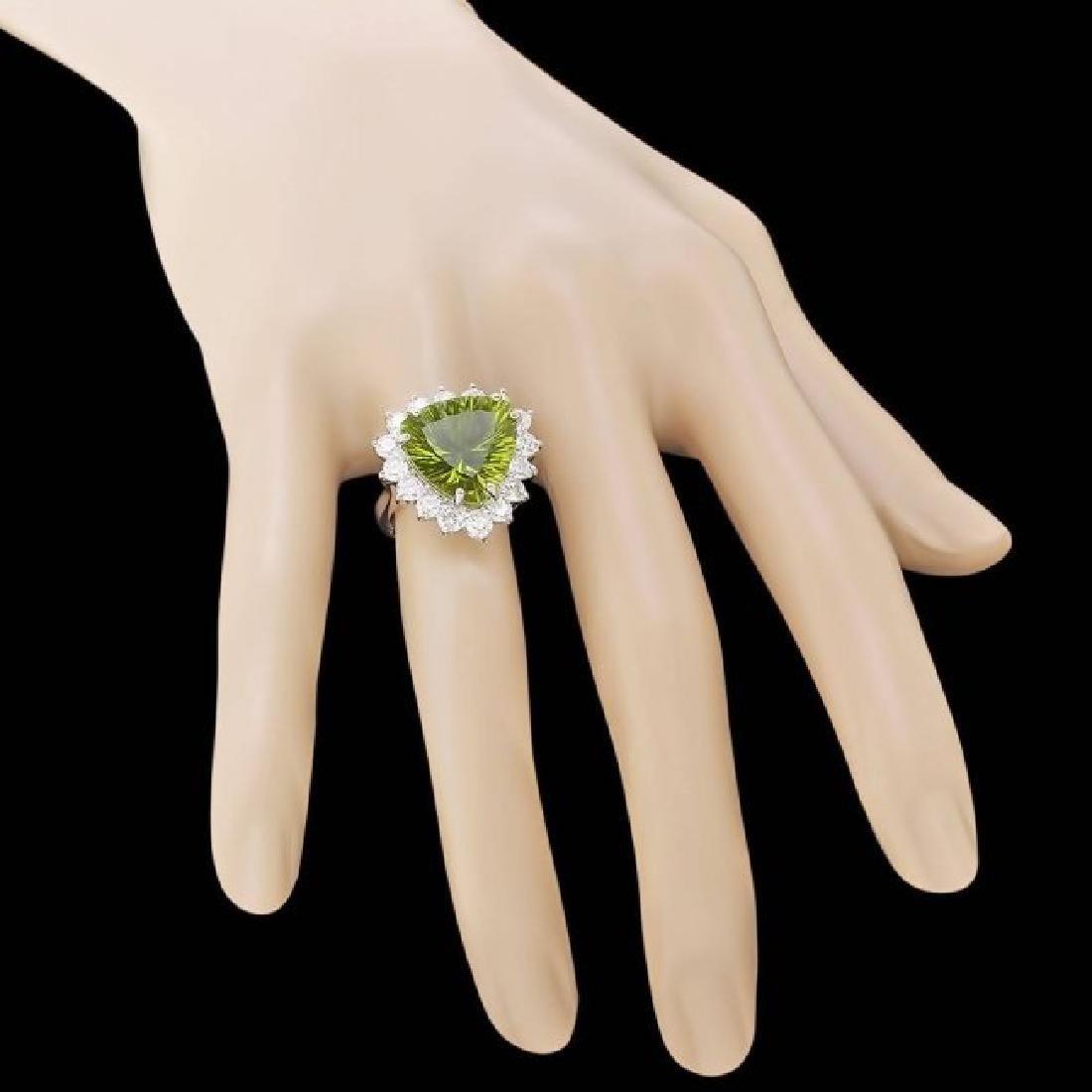 14k White Gold 9.50ct Peridot 1.80ct Diamond Ring - 4