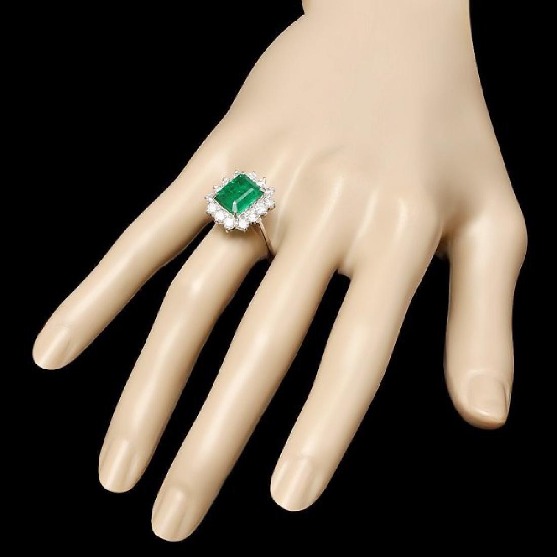 14k White Gold 3.13ct Emerald 1.35ct Diamond Ring - 3