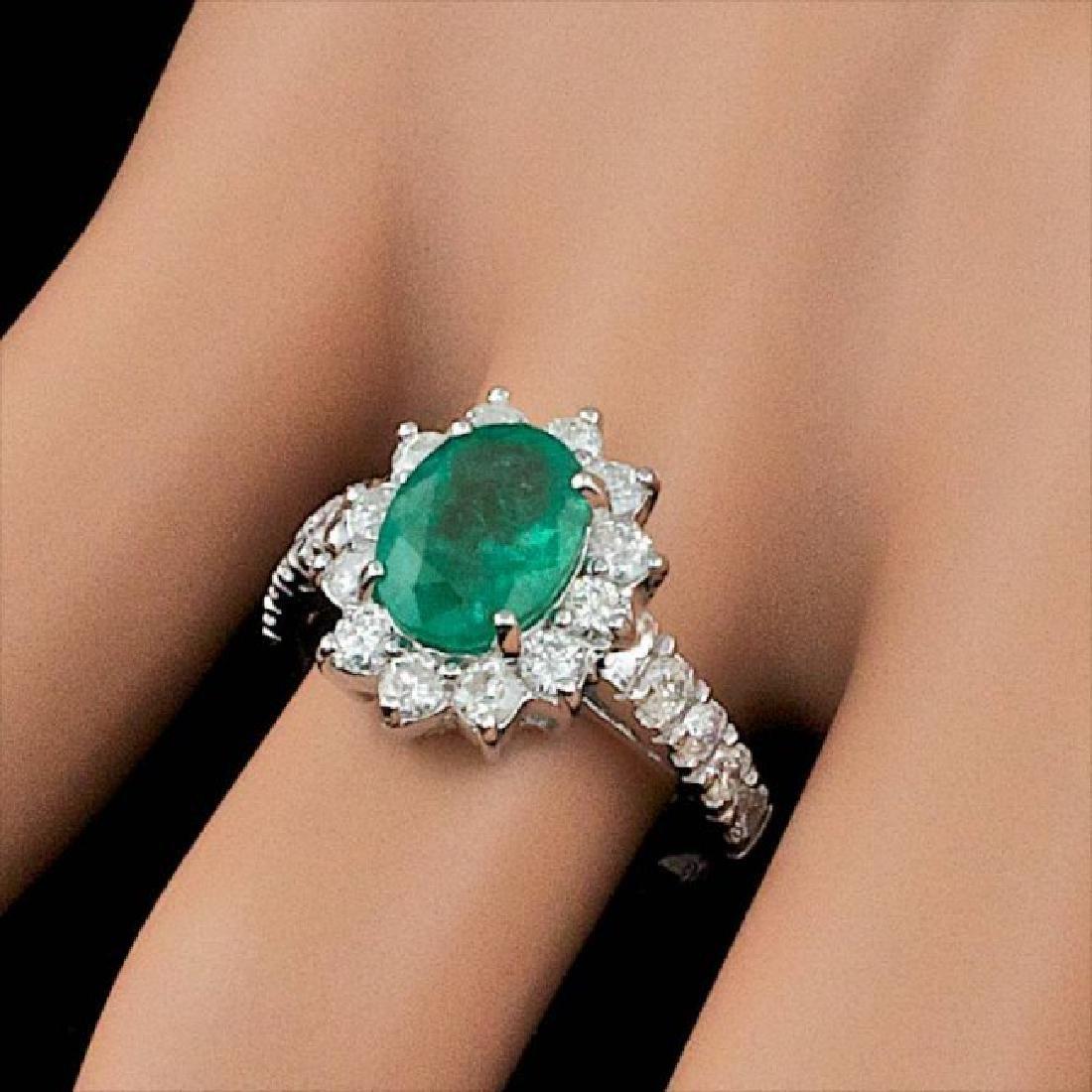 14k White Gold 1.70ct Emerald 0.90ct Diamond Ring - 4