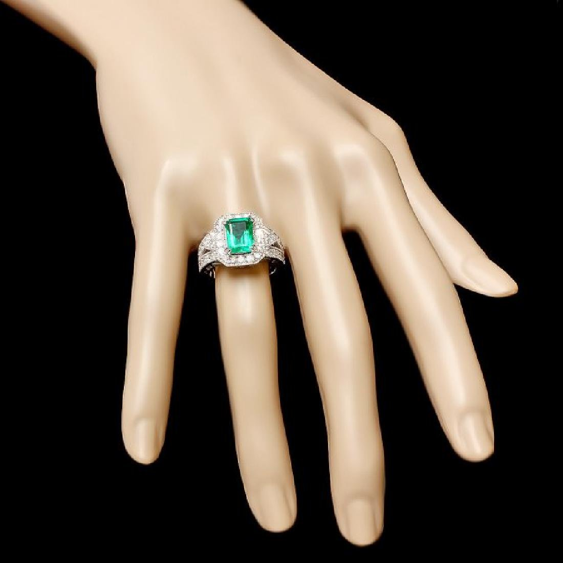 14k White Gold 2.00ct Emerald 1.30ct Diamond Ring - 3