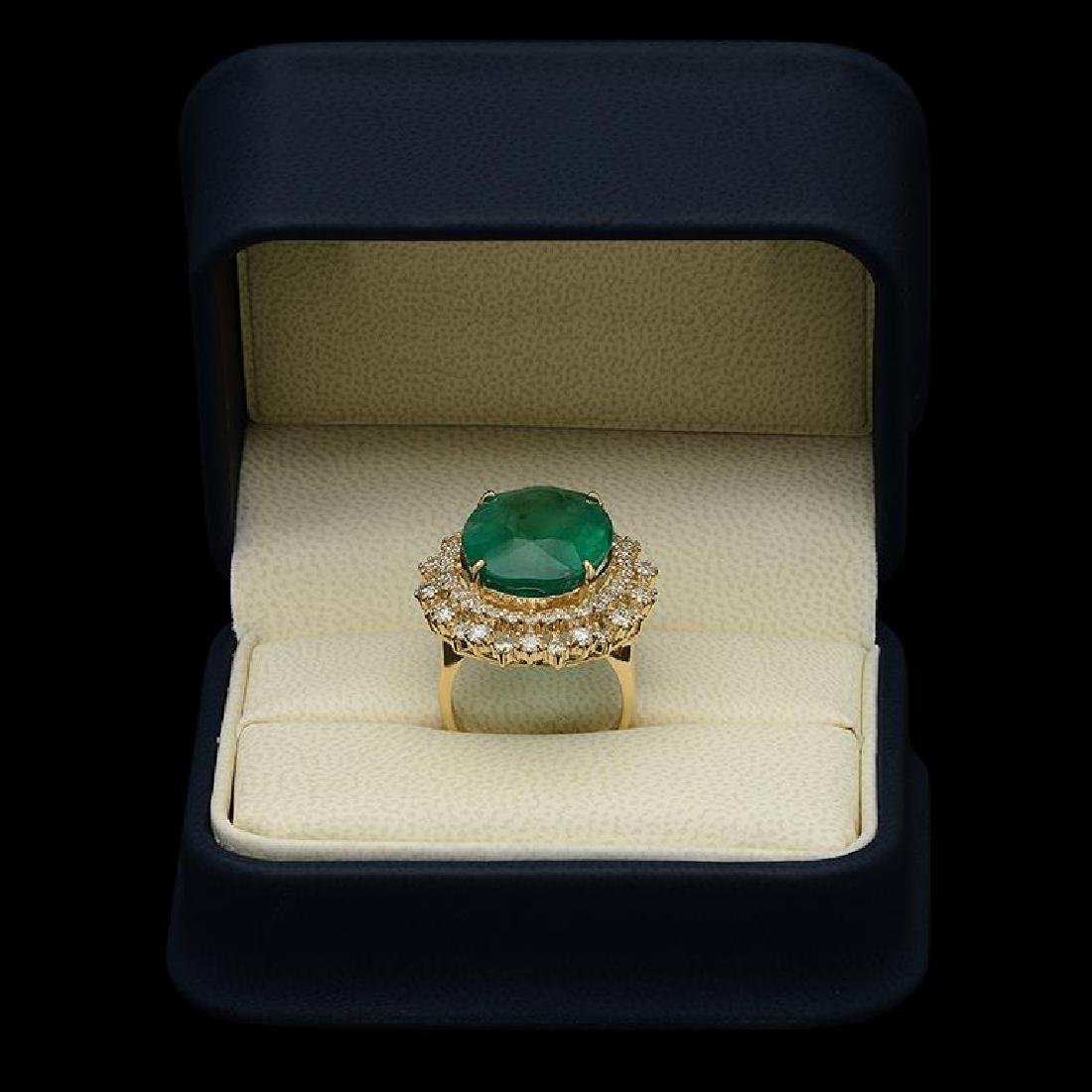 14K Gold 17.93ct Emerald 2.10ct Diamond Ring - 3