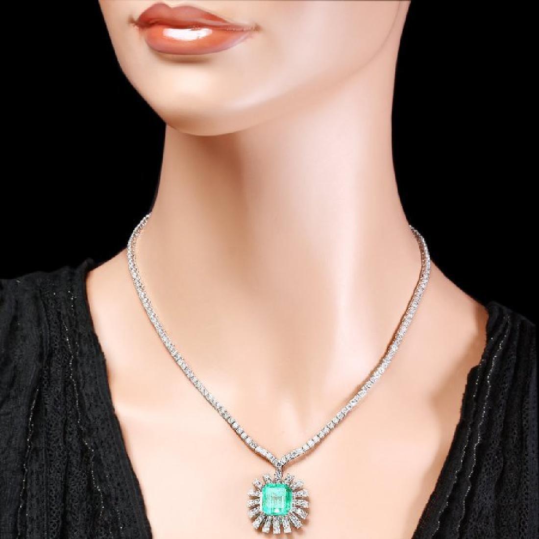 18k Gold 9.00ct Emerald 11ct Diamond Necklace - 5