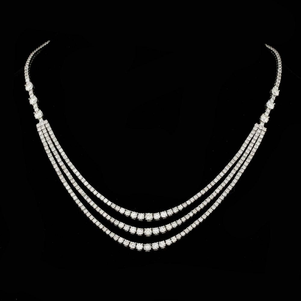 18k White Gold 12.60ct Diamond Necklace