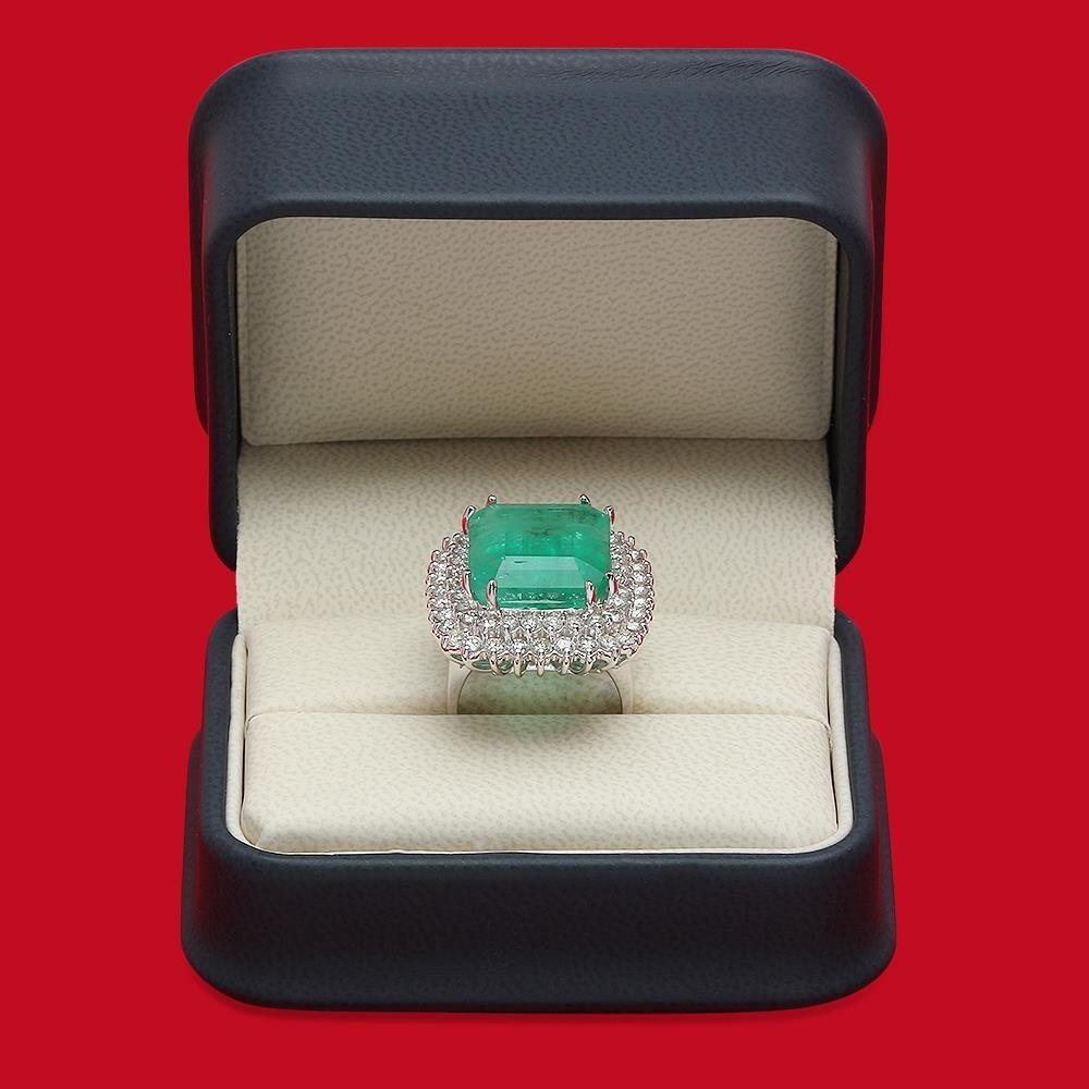 14K Gold 19.12 Emerald 2.75 Diamond Ring - 4