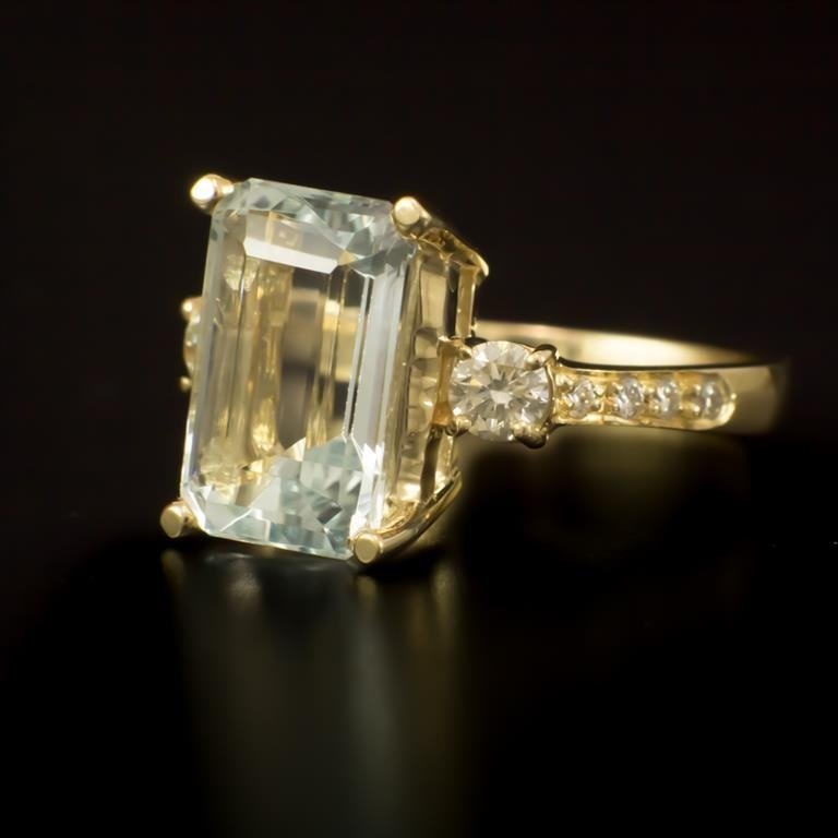 14K Gold 4.38ct Aquamarine 0.52ct Diamond Ring - 2