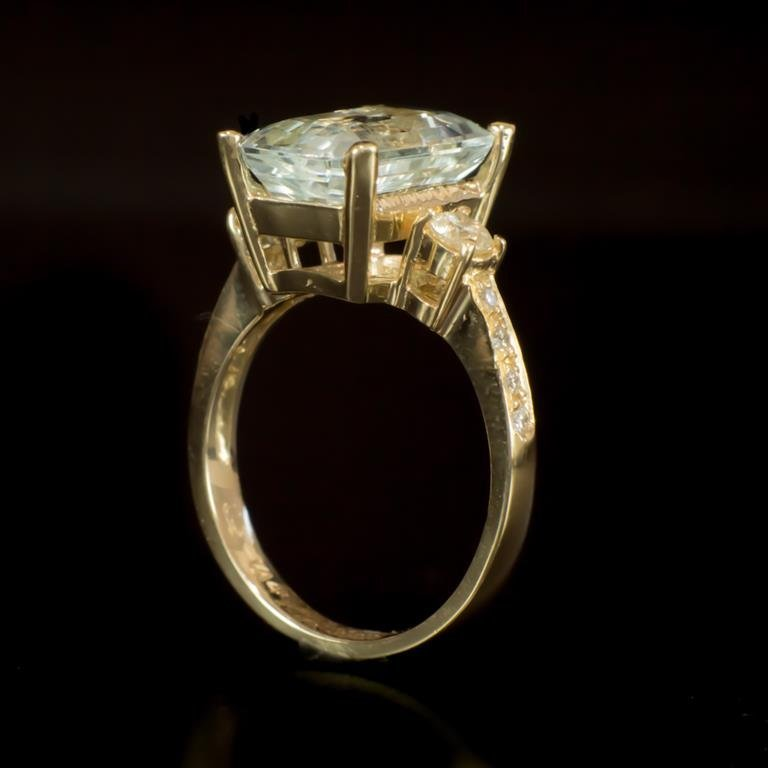 14K Gold 4.38ct Aquamarine 0.52ct Diamond Ring - 3