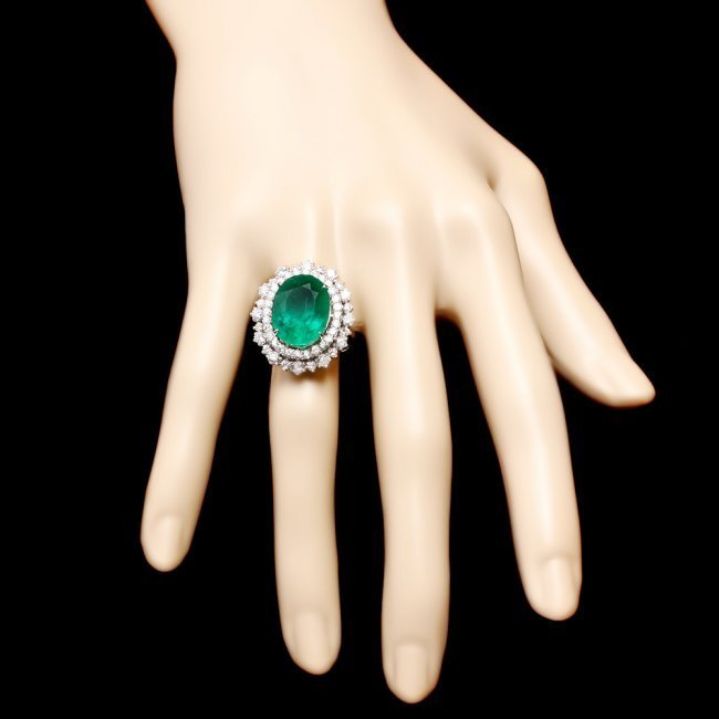 14k White Gold 8.10ct Emerald 1.80ct Diamond Ring - 4