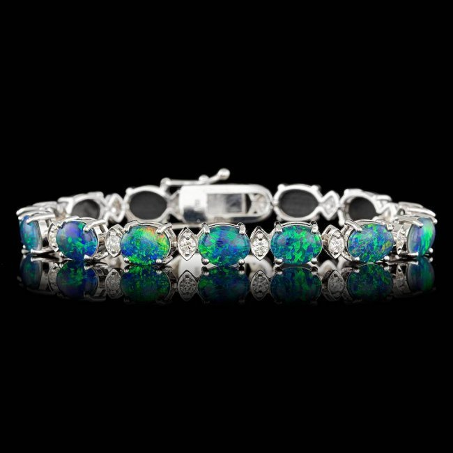 18k Gold 17.50ct Opal 1.10ct Diamond Bracelet