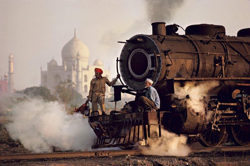 Steve McCurry: Taj & Train