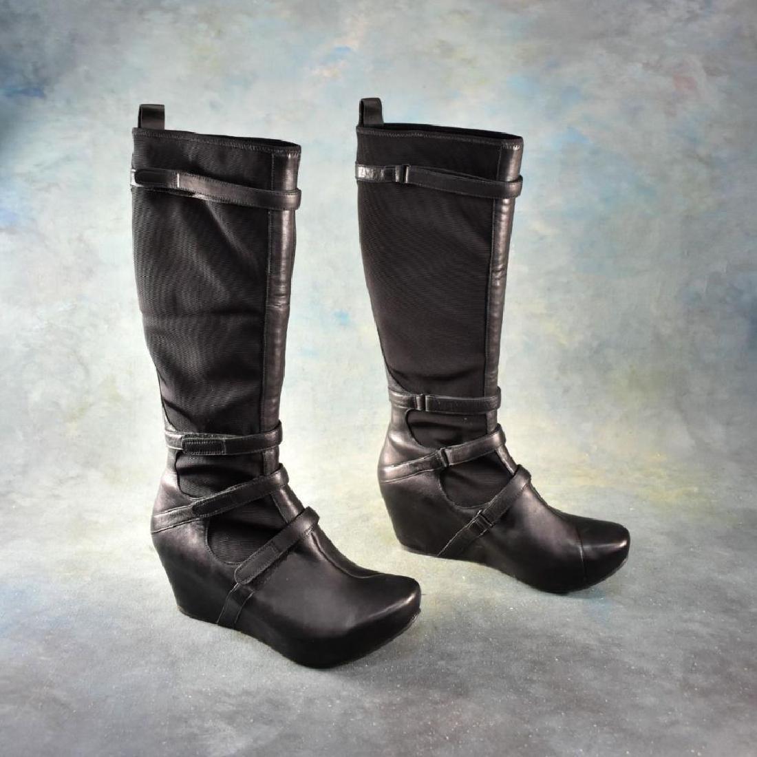 """Pr Ladies' Black """"Olapa"""" Boots by Tsubo (Size 8 US)"""