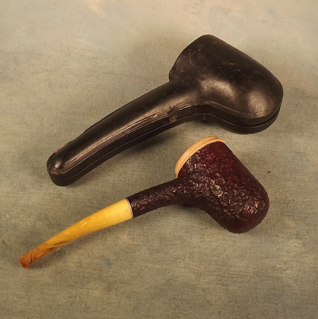 Kaywoodie Tobacco Pipe in Leather Fitted Case