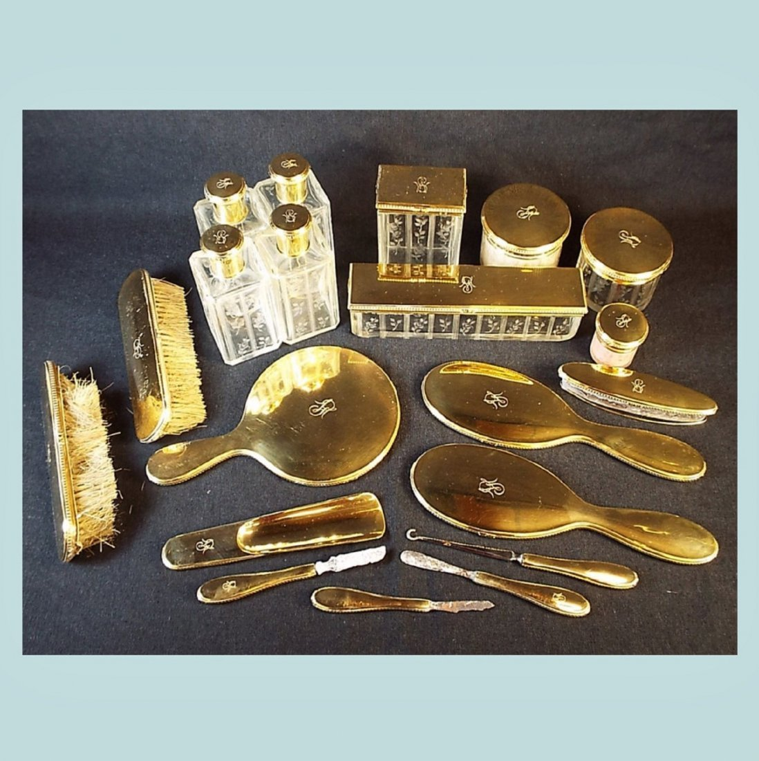 Early 20th Century 18k Gold Cartier Toilet Set Owned by