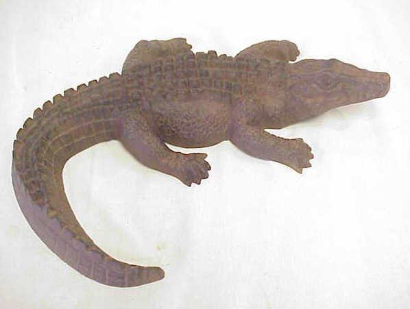 """11: Cast iron alligator. L 17""""."""