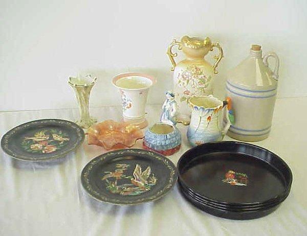 17: Assorted housewares.