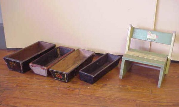 4: Child's stepchair and 4 planter boxes as a lot.