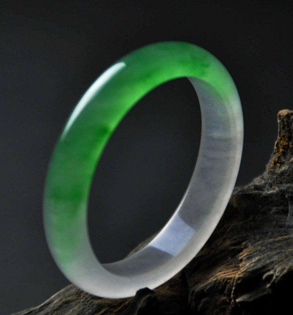 A translucent jadeite bangle - 4