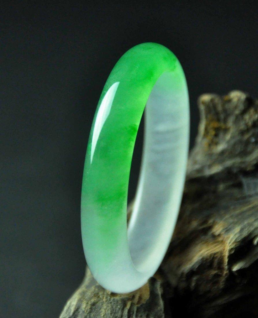 A translucent jadeite bangle - 6