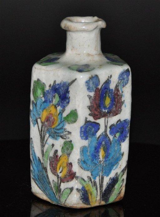 A rare 16th Century ottoman lznik pottery Turkey
