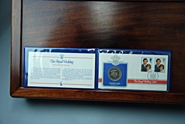 A Booklet with a Royal Wedding Coin and Stamps - 2