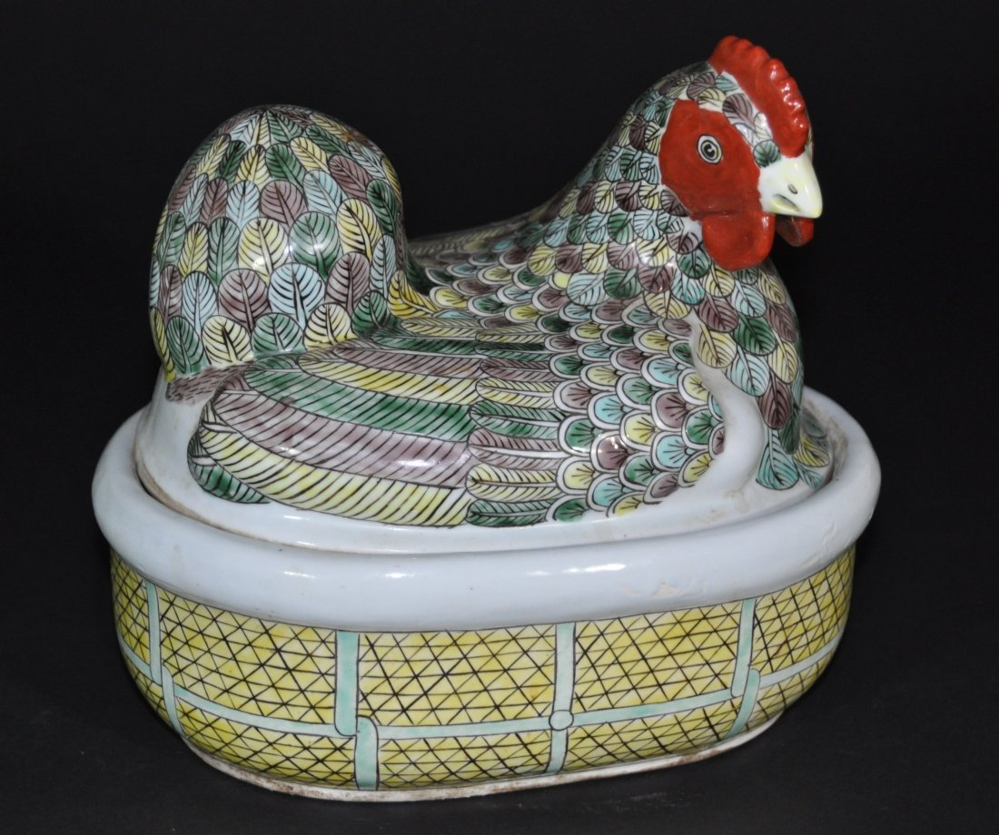 A green yellow and aubergine hen covered box, Kangxi