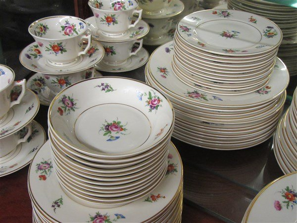 """Syracuse China """"Old Ivory"""" Floral Dinner Service - 2"""