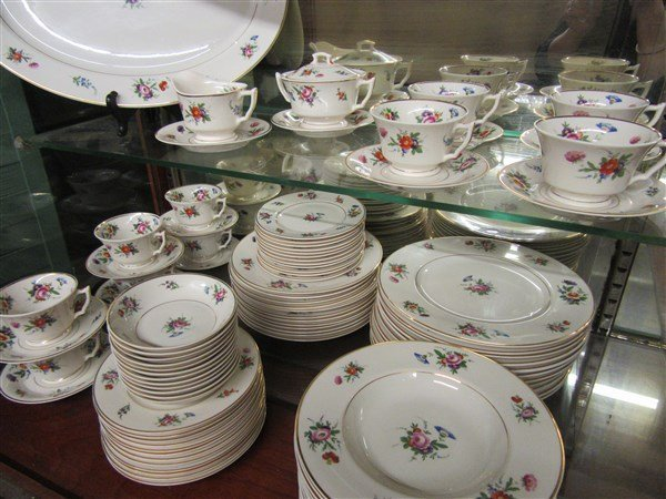 """Syracuse China """"Old Ivory"""" Floral Dinner Service - 3"""