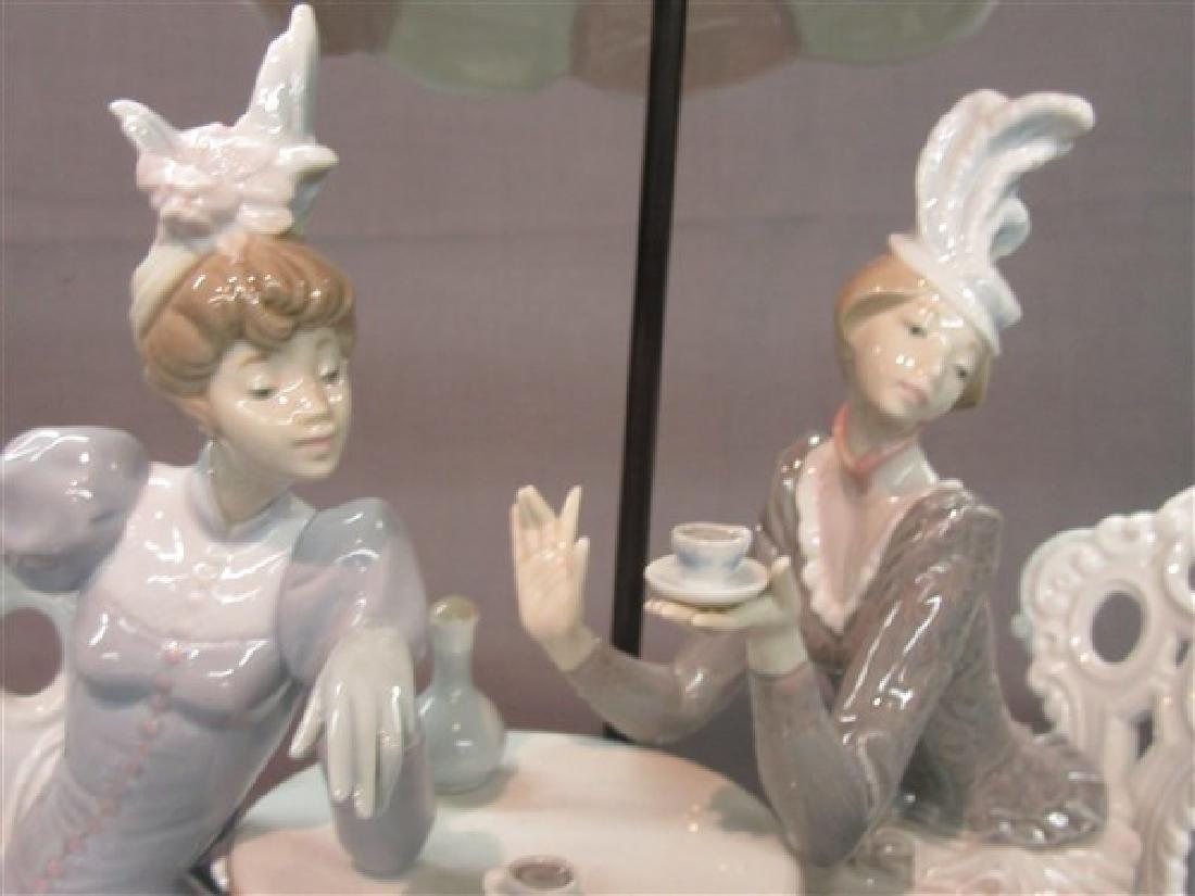 """Lladro 1511 """"Porcelain Cafe de Paris"""" Ladies Having Tea - 4"""