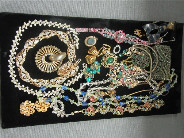 Vintage Estate Costume Jewelry Group