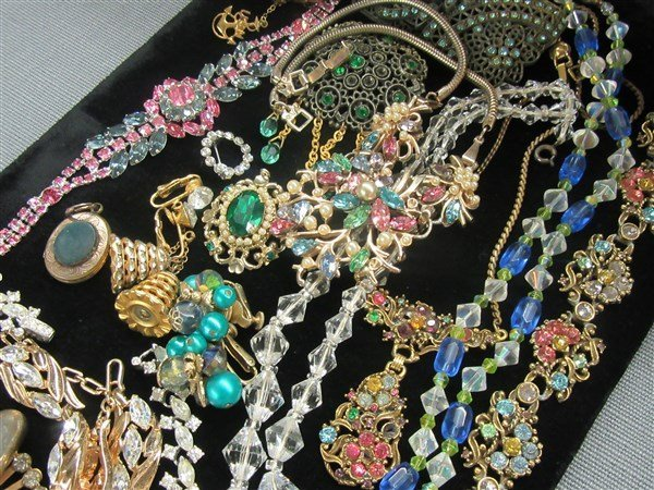 Vintage Estate Costume Jewelry Group - 3