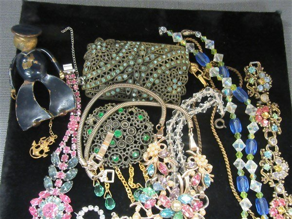 Vintage Estate Costume Jewelry Group - 4