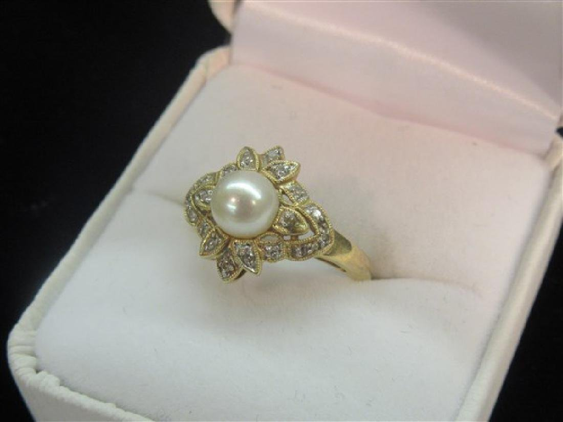 14k Yellow Gold Diamond And Pearl Ring - 2