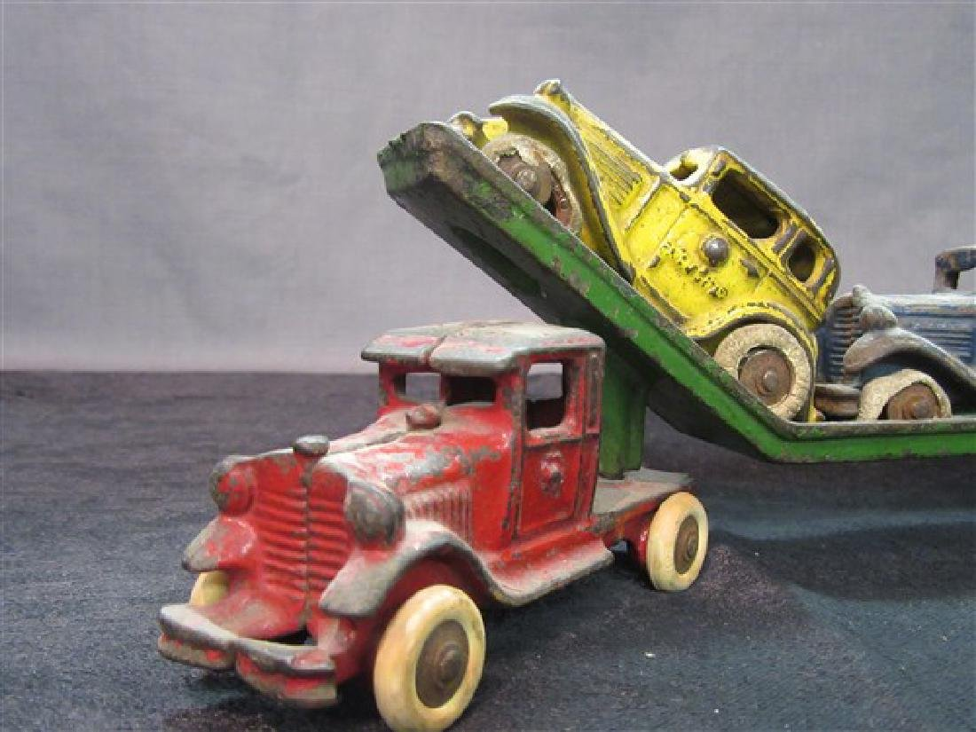 Austin Cast Iron Toy Car Carrier And Vehicles - 2