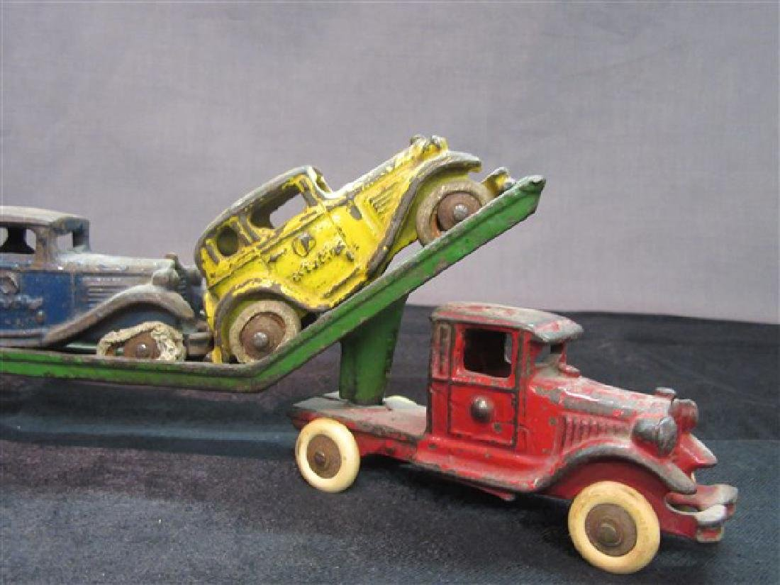 Austin Cast Iron Toy Car Carrier And Vehicles - 4