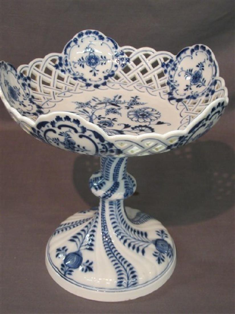 Meissen Blue Onion Porcelain Openwork Pedestal Bowl