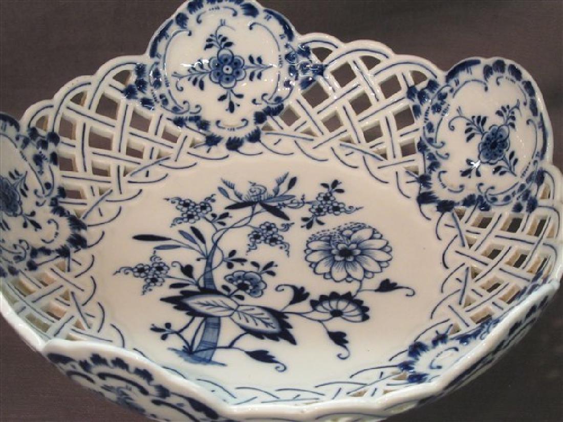 Meissen Blue Onion Porcelain Openwork Pedestal Bowl - 2