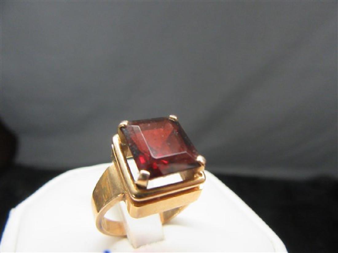 18k y.g. Retro Garnet Ring