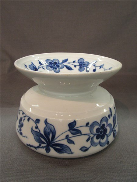 Union Porcelain Works UPW Spittoon