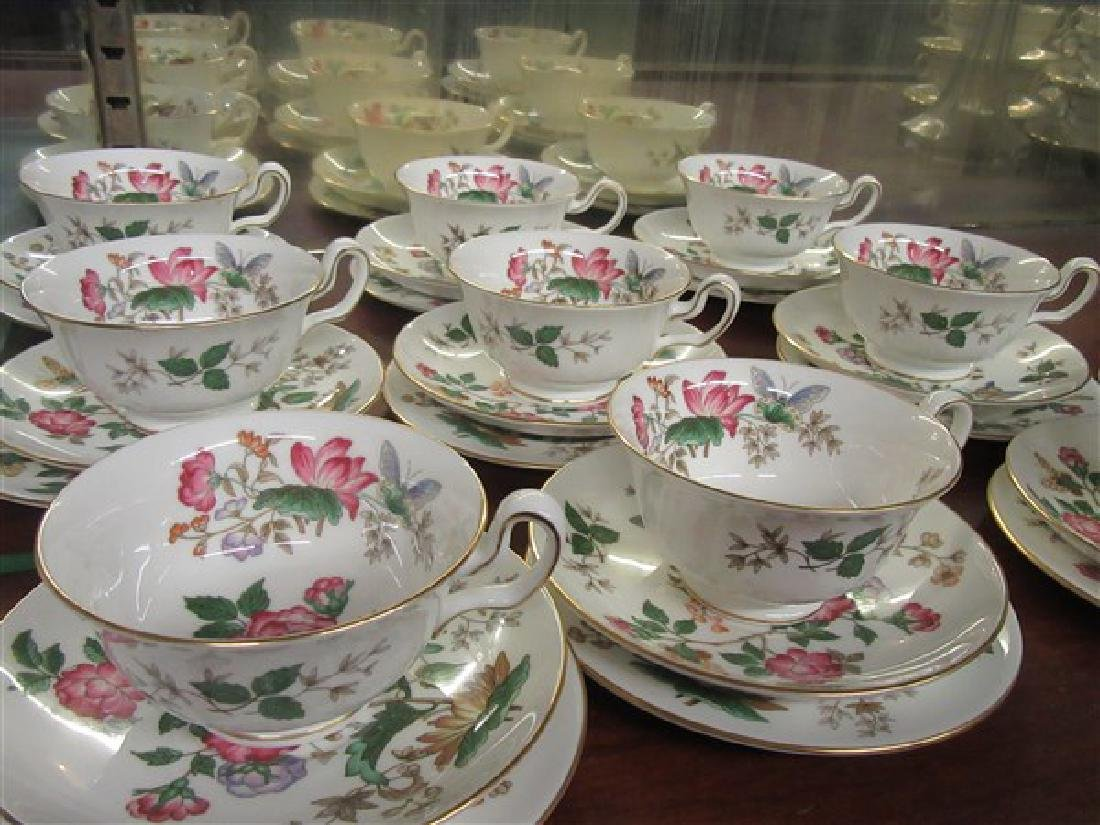 84pc. Wedgwood Charnwood Floral Porcelain China Service - 7