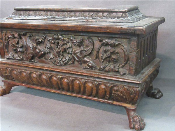16th Century Casone Era Italian Miniature Chest - 2