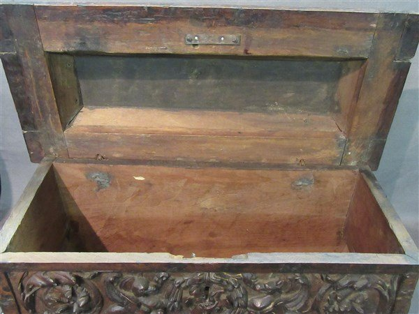 16th Century Casone Era Italian Miniature Chest - 4