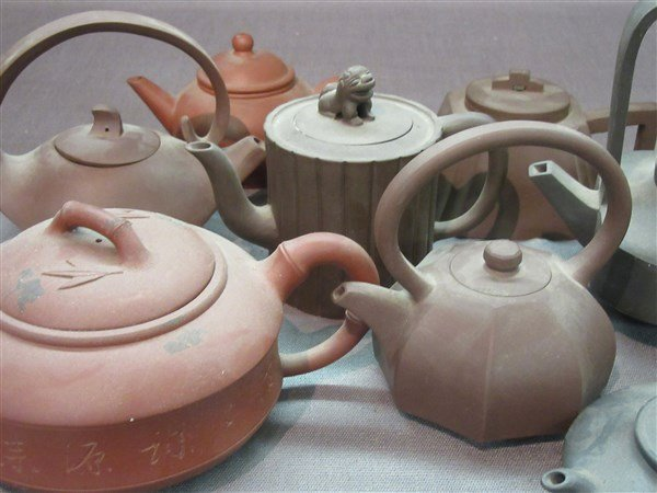 Eight (8) Contemporary Chinese Yixing Teapots - 2