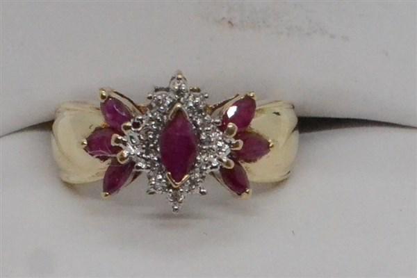 14k y.g. Ruby & Diamond Cocktail Ring