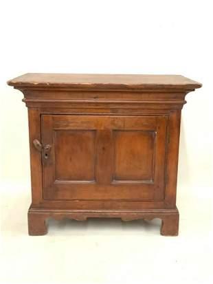 c.1800 American Miniature Kas Cabinet